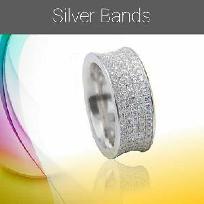 1507661800 - Silver Bands.png