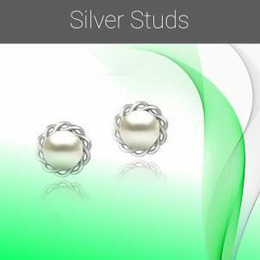 1507662216 - Silver Studs.png